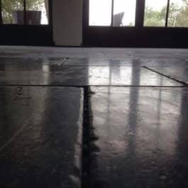 Vloer in blauwsteen